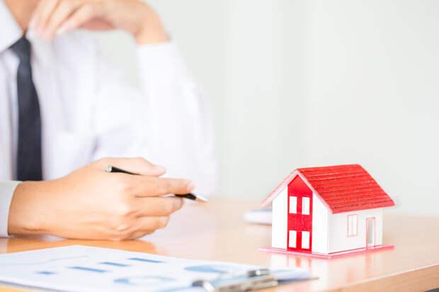 Аналитик объяснил, почему не стоит сегодня инвестировать в недвижимость