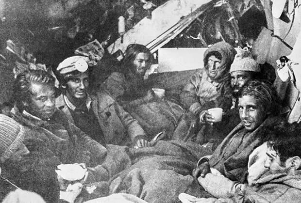 Выжившие в фюзеляже самолета