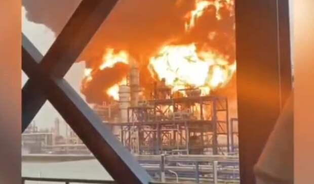 Один человек пострадал, один пропал без вести в результате пожара на заводе в Китае