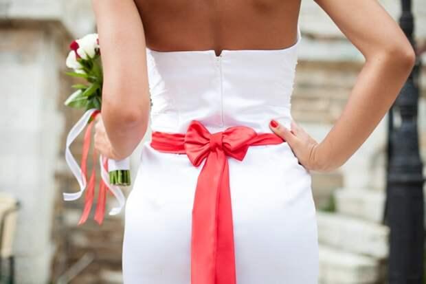 Как красиво завязать бант на платье