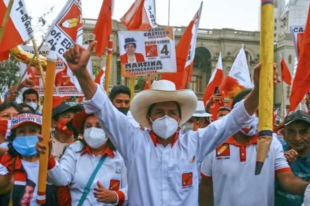 Кандидат в президенты Перу заявил о необходимости национализации экономики