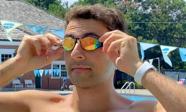 Мужчина стал проплывать каждый день 3 километра, а через месяц показал произошедшие с ним изменения