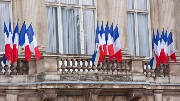 Париж отзывает послов из США и Австралии для консультаций после срыва сделки по подлодкам