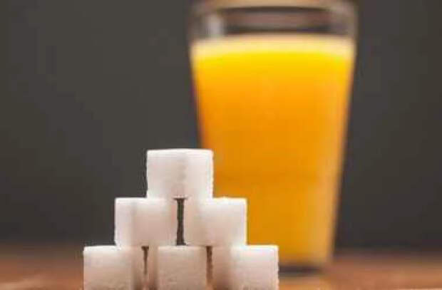 Напитки с добавлением сахара и соки могут провоцировать развитие рака