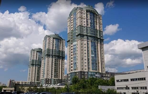 В Новосибирске погиб 18-летний студент — он выпал с 23 этажа