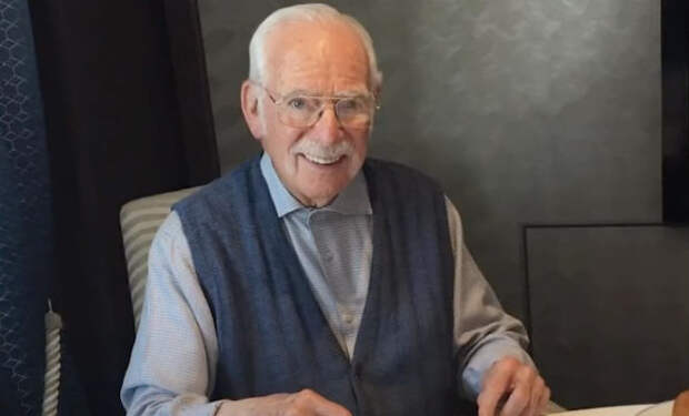 Пенсионер взял билет на круизный корабль и с тех пор там живет уже 13 лет