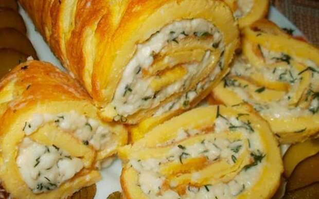 Рулет из омлета с плавленым сыром. Сочная закуска для повседневного стола 4