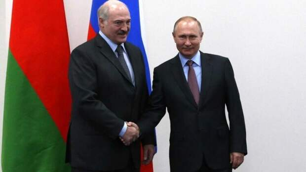 Песков: Лукашенко проинформировал Путина об инциденте с самолетом Ryanair