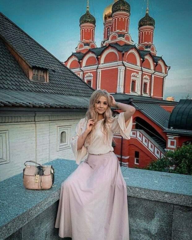 Пресс-секретарь раба божьего архиепископа Амвросия Марина Збаровская