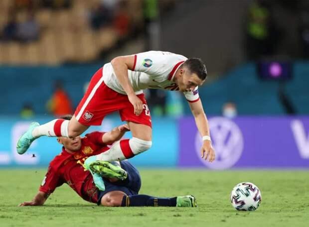 VAR помог Испании забить первый гол, Левандовский не дал Польше проиграть. Фавориты замыкают турнирную таблицу в группе Е