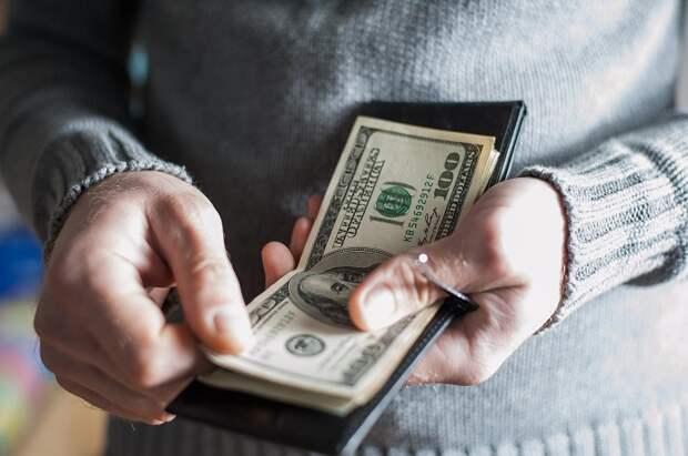 Муж зарабатывает меньше жены. Чем это грозит семейным отношениям?