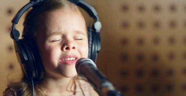 Песня 1941 года в исполнении девочки возвращает в детство