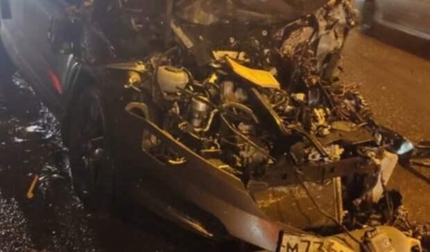 Баллоны сгазом отпали отсилы удара: два авто иГАЗель столкнулись вНижнем Тагиле