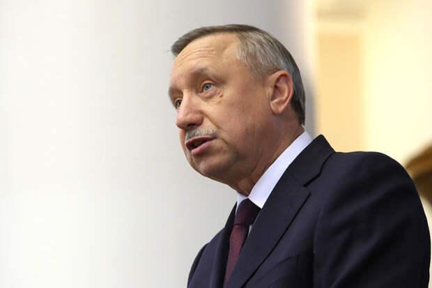 Власти Петербурга вводят новые ограничения из-за COVID-19