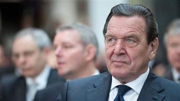 "Совет директоров ""Роснефти"" переизбрал Герхарда Шрёдера на пост председателя"