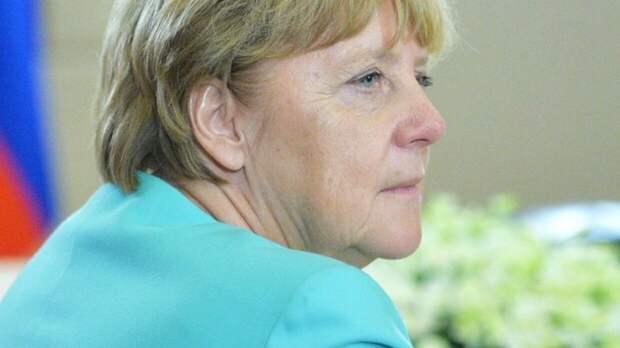 Стало известно, что Меркель вакцинируется от COVID-19 16 апреля