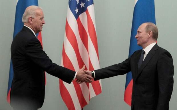 Эксперт: Джо Байден хотел бы иметь дело с Россией времён Ельцина