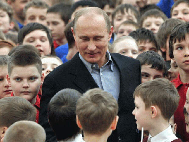 Может, у Путина нет денег на Интернет? Тогда надо скинуться