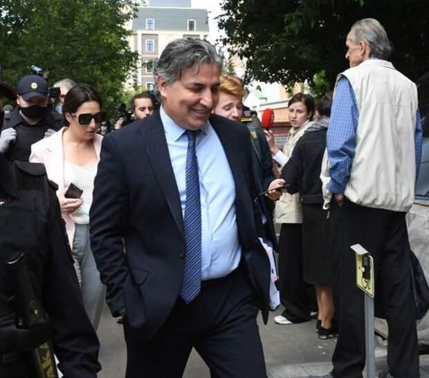 Пашаева могут лишить адвокатского статуса, а Добровинскому грозит дисциплинарное дело