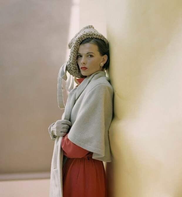 Модель из январского выпуска журнала Vogue, 1946 года.