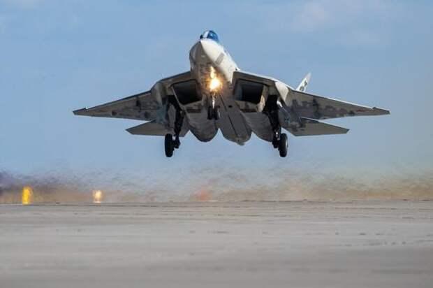 Американский военный эксперт назвал истребитель Су-57 «красивым убийцей»