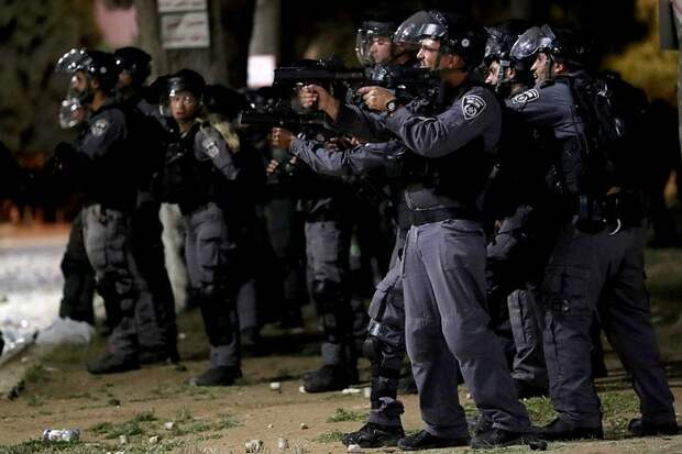 При разгоне протестующих в Иерусалиме пострадали около 200 палестинцев
