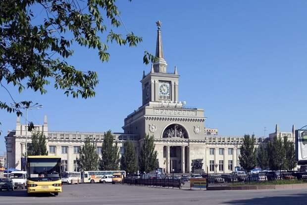 Мистика: ночью Волгоград вернулся к московскеосму времени и гасил пожар на крупном рынке