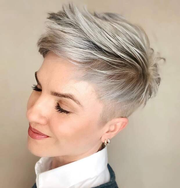 Модные окрашивания для русых волос для леди старше 50 лет 2021