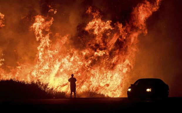 Road to Hell: автомобилисты Лос-Анджелеса выкладывают в Сеть шокирующие видео пожара