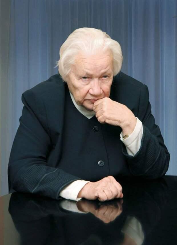 Людмила Васильевна Шапошникова (1926 – 2015)