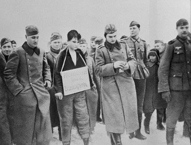 Что СМЕРШ сделал напарником Космодемьянской, который сдал её немцам