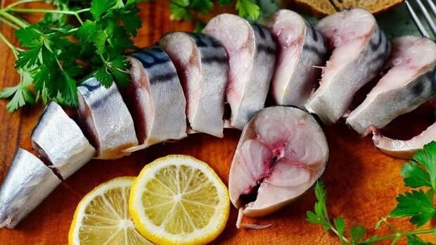 Скумбрия в разы вкуснее красной рыбы: любимый рецепт к праздничному столу