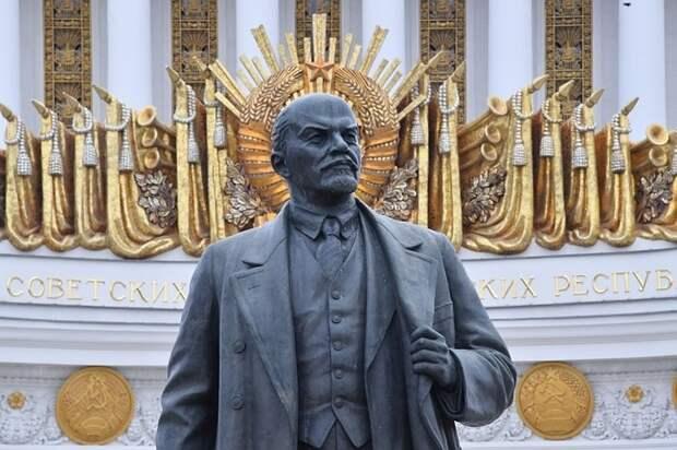 В России предложили сделать памятники Ленину наследием ЮНЕСКО