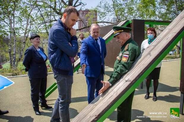 На спортплощадке школы № 60 во Владивостоке отремонтируют полосу препятствий