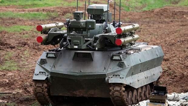 Литовкин перечислил самые интересные образцы военной техники на параде Победы в Москве