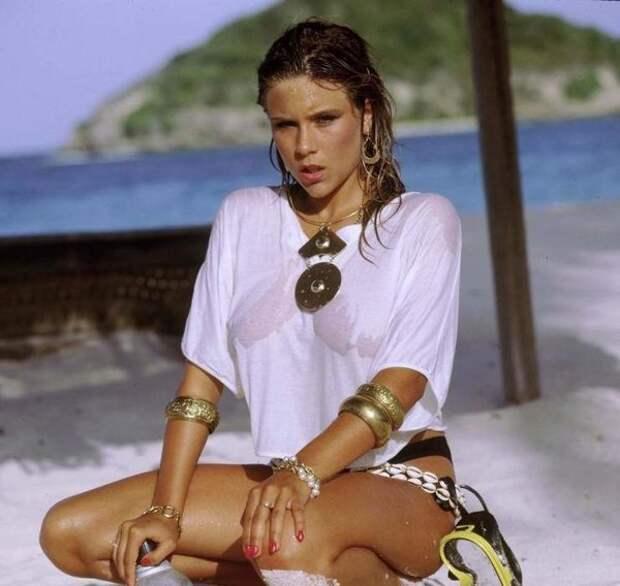 Саманта Фокс – певица и гламурная модель 80-х.