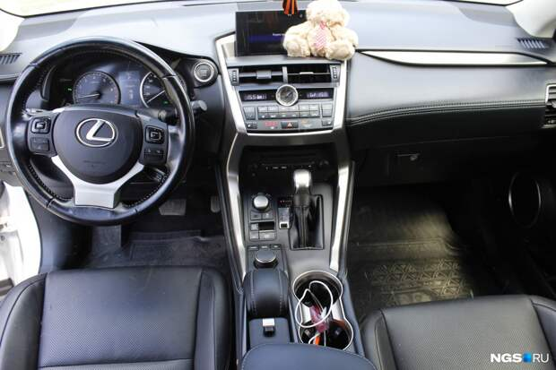 История сибирячки, которая купила 5-летний Lexus NX. Что сломалось в машине и как она спасается от угонщиков