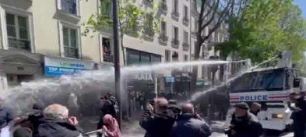В Париже водомётами и слезоточивым газом разогнали митинг в поддержку Палестины