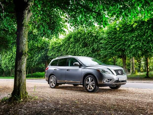 Тест нового Nissan Pathfinder: шаг на паркет