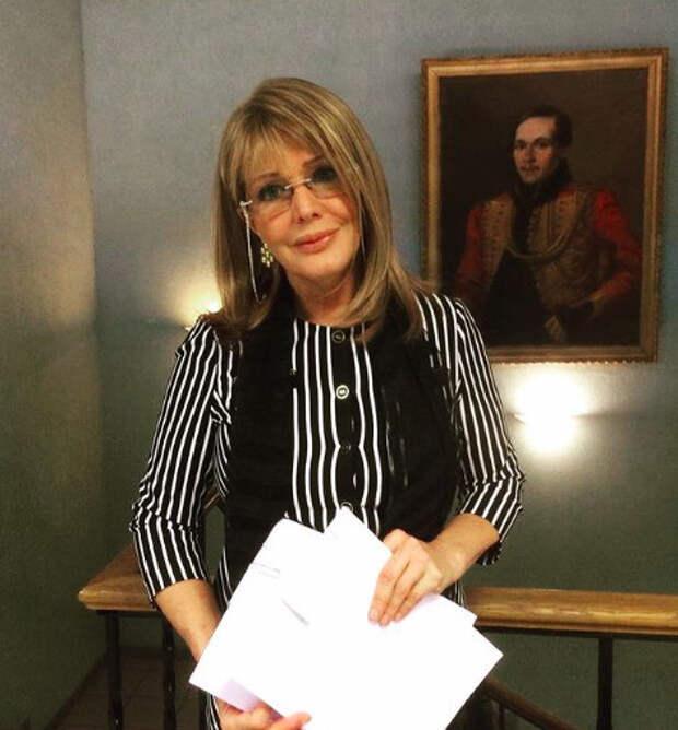 «Знать Проклову не желаю!»: коллега взбесился из-за слов актрисы о домогательствах