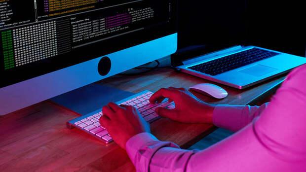 Миллионы пользователей Apple оказались под угрозой из-за опасного вируса