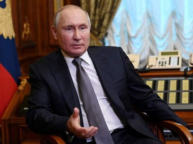 Путин велел не навязывать прививку против коронавируса, но ускорить темпы вакцинации