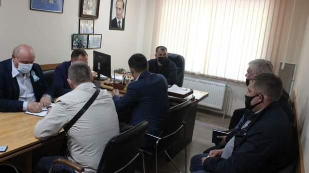 Олег Саннэ провел совещание с руководителями энергопоставляющих, ресурсоснабжающих предприятий района