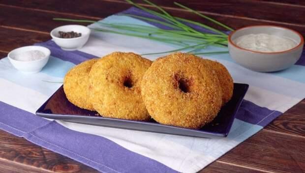 Хрустящие куриные пончики с сыром: самые оригинальные котлетки к ужину.
