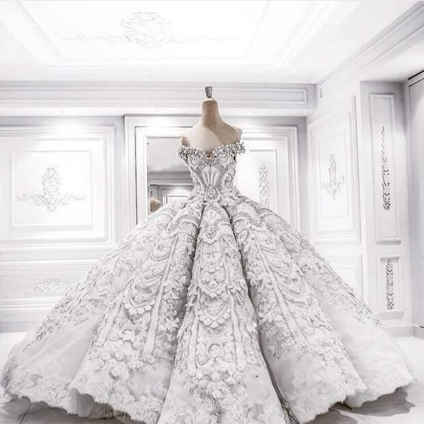 Роскошные платья ручной работы из коллекции Jacy Kay.