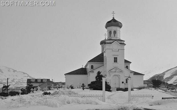 800px-Russian_Orthodox_Church_and_Churchyard_in_Alaska