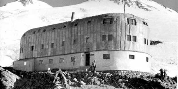 Бой за «Приют 11» на Эльбрусе