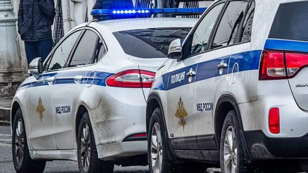 Тела двух человек нашли с огнестрельными ранениями в машине в Москве
