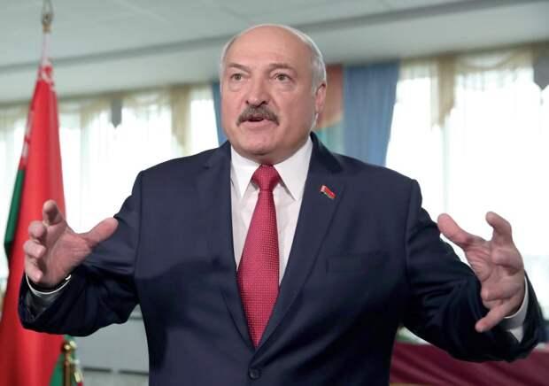 """Лукашенко: """"Американцы увидели из космоса, дали сигнал в центр"""""""