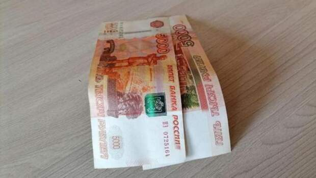 """Когда российские семьи начнут получать """"путинские"""" 10 тысяч рублей на ребенка?"""